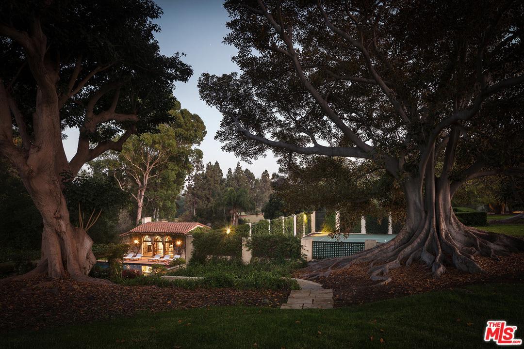 141 South CAROLWOOD Drive Los Angeles (City), CA 90024