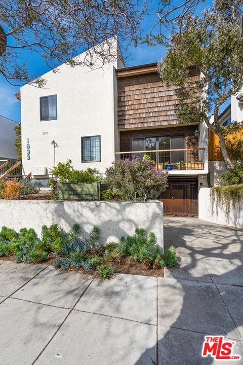 Photo of 1833 11TH ST, Santa Monica, CA 90404