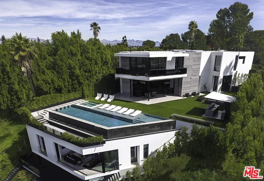 9502 HIGHRIDGE Place Beverly Hills, CA 90210