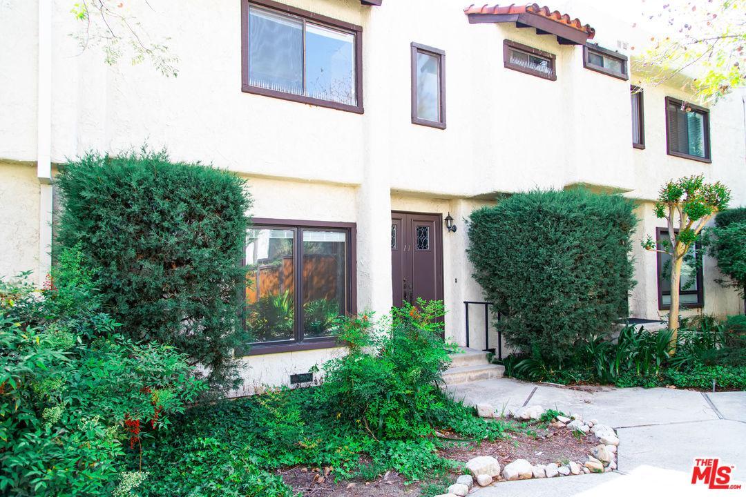 3200 FAIRESTA Street, 11, La Crescenta, CA 91214