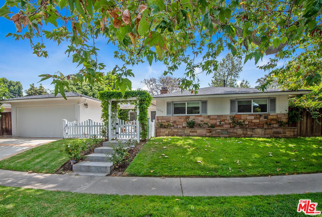 Photo of 16315 AKRON ST, Pacific Palisades, CA 90272