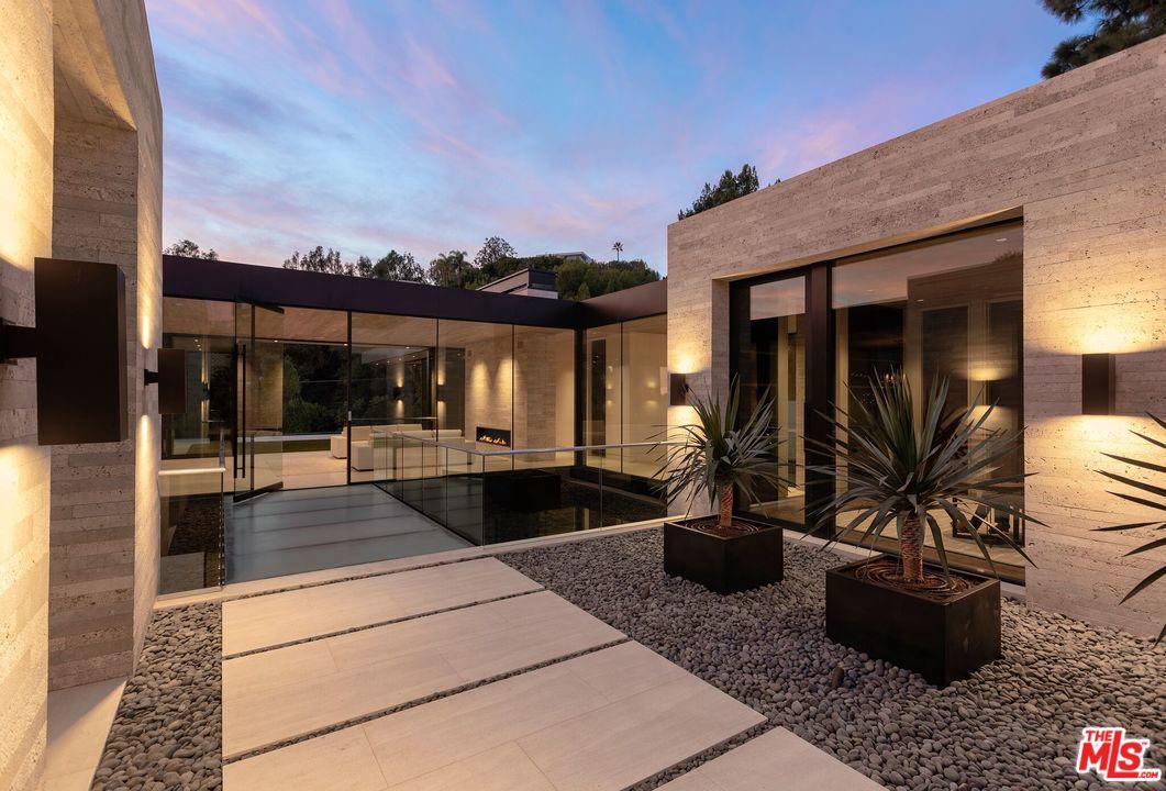 Photo of 1335 CARLA LN, Beverly Hills, CA 90210