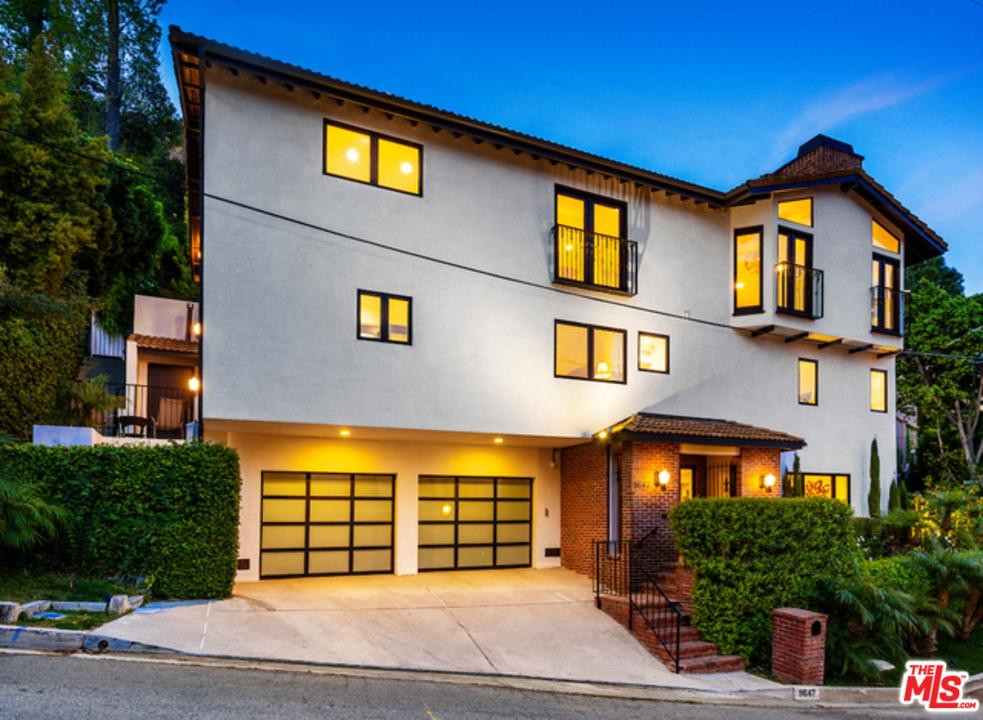 Photo of 9647 HEATHER RD, Beverly Hills, CA 90210