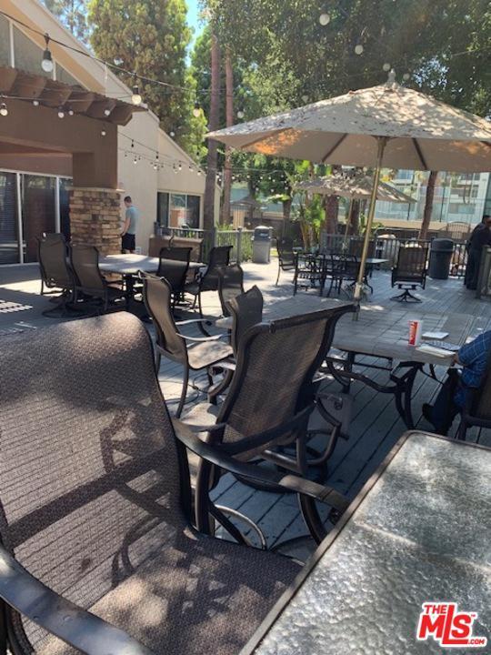 Photo of 5510 OWENSMOUTH AVE, Woodland Hills, CA 91367