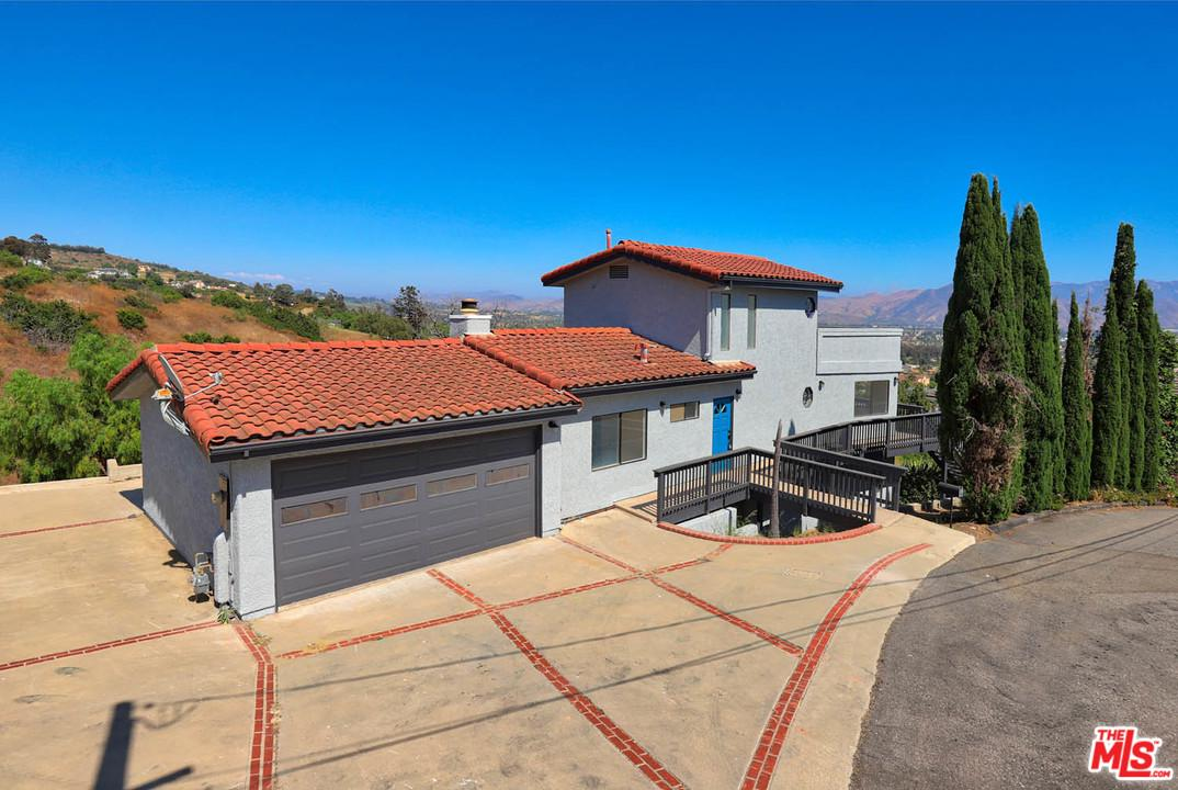 542 SAN CLEMENTE Way, Camarillo, CA 93010