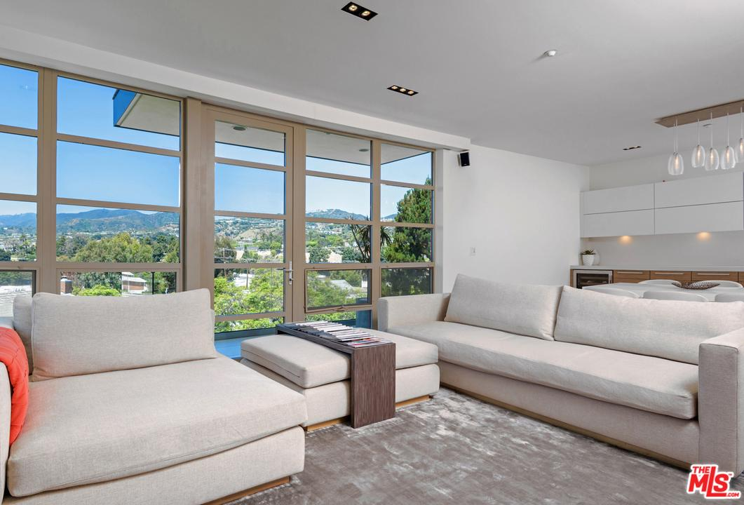 Photo of 870 HAVERFORD AVE, Pacific Palisades, CA 90272