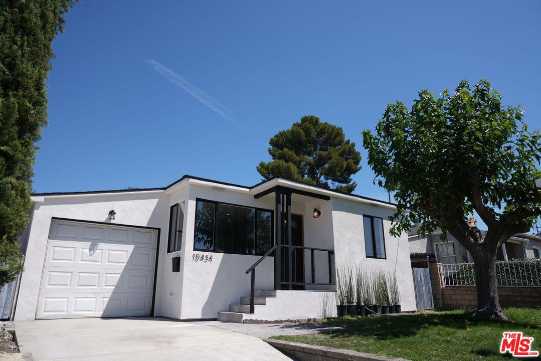10434 WHITEGATE Avenue, Sunland, CA 91040