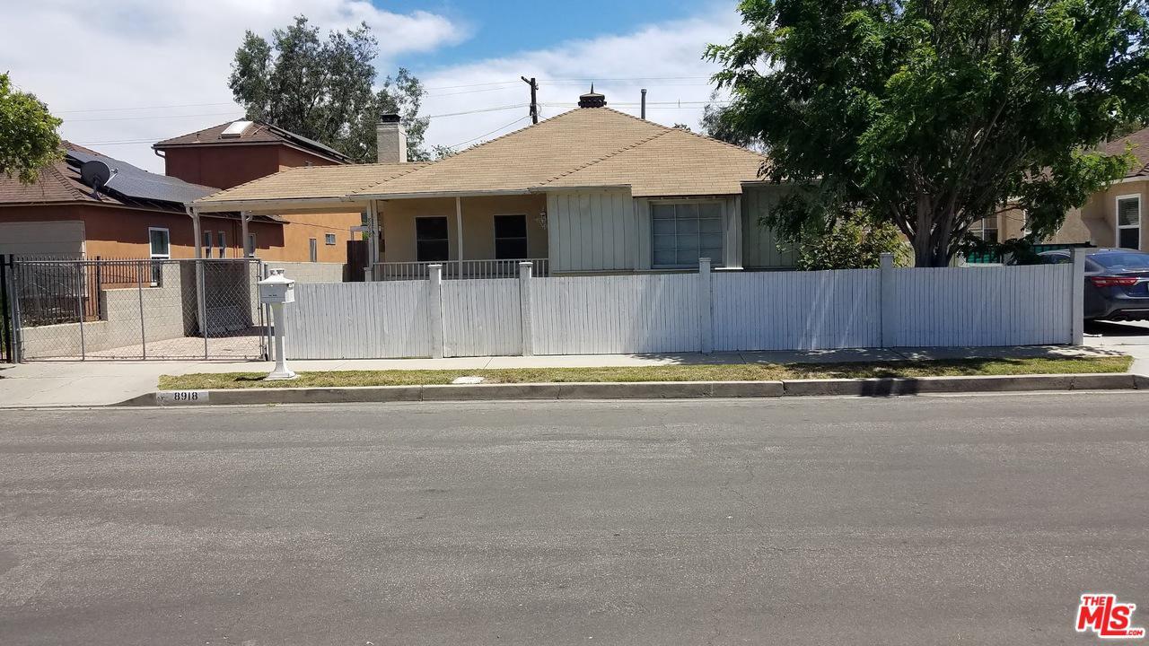 Photo of 8918 KRAMERWOOD PL, Los Angeles, CA 90034