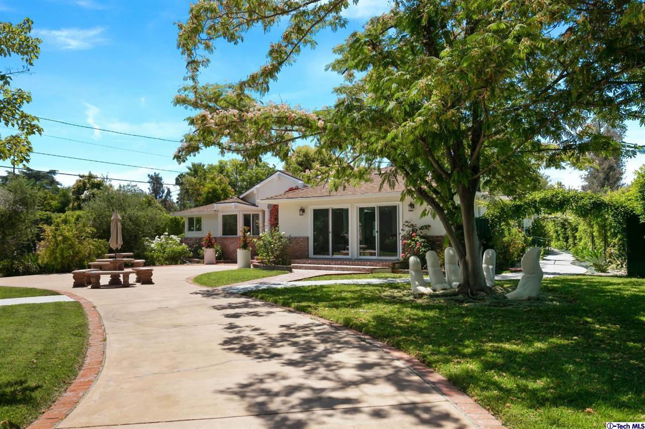 Photo of 23202 OXNARD STREET, Woodland Hills, CA 91367