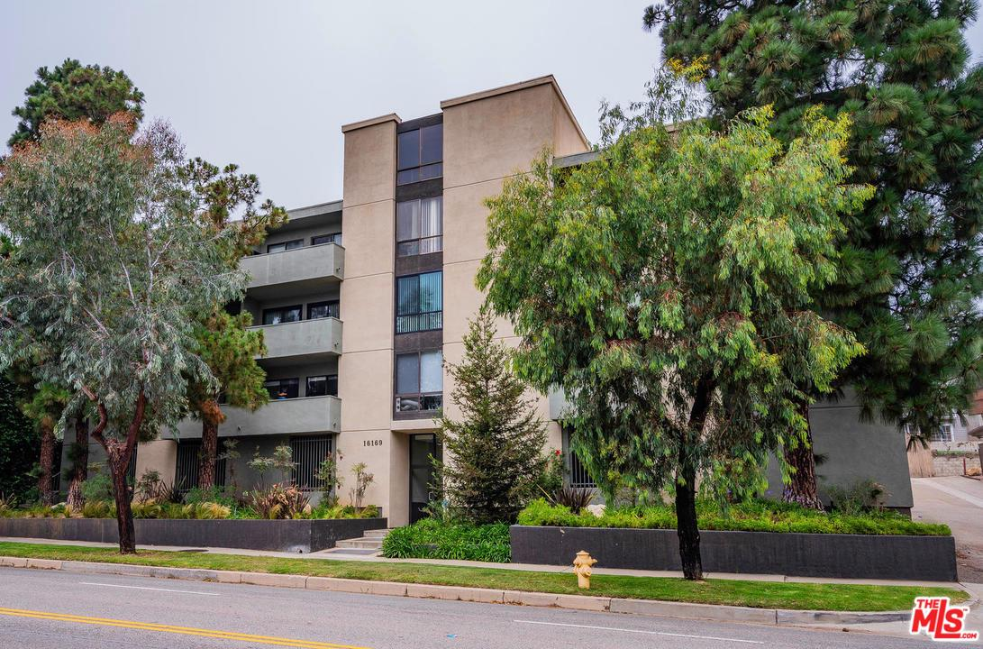 Photo of 16169 W SUNSET, Pacific Palisades, CA 90272