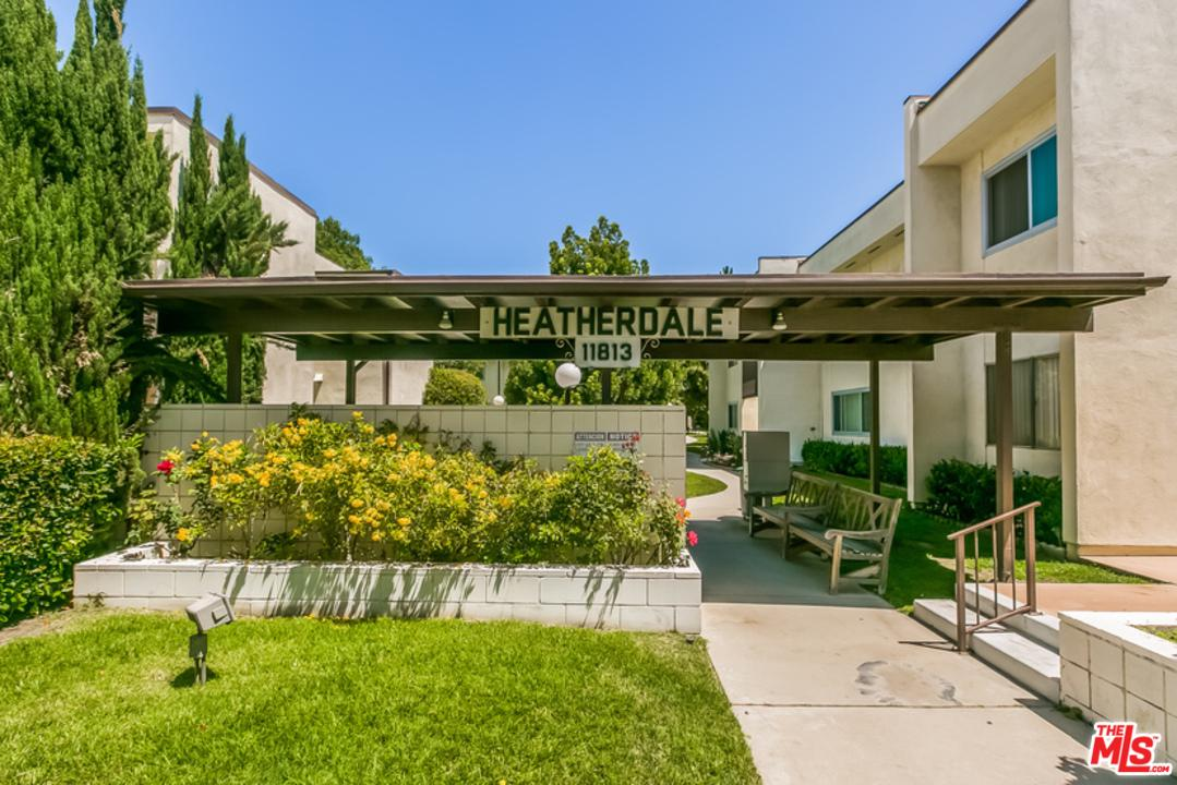 Photo of 11813 RUNNYMEDE ST, North Hollywood, CA 91605
