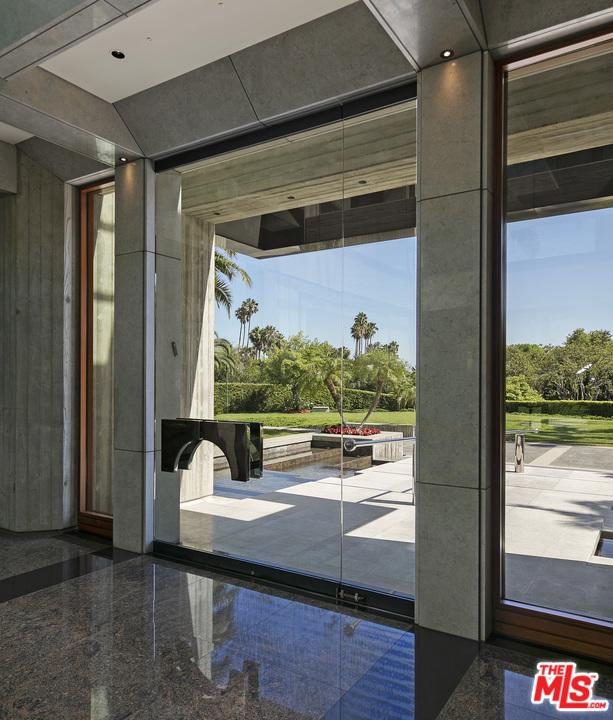 601 MOUNTAIN Drive Beverly Hills, CA 90210