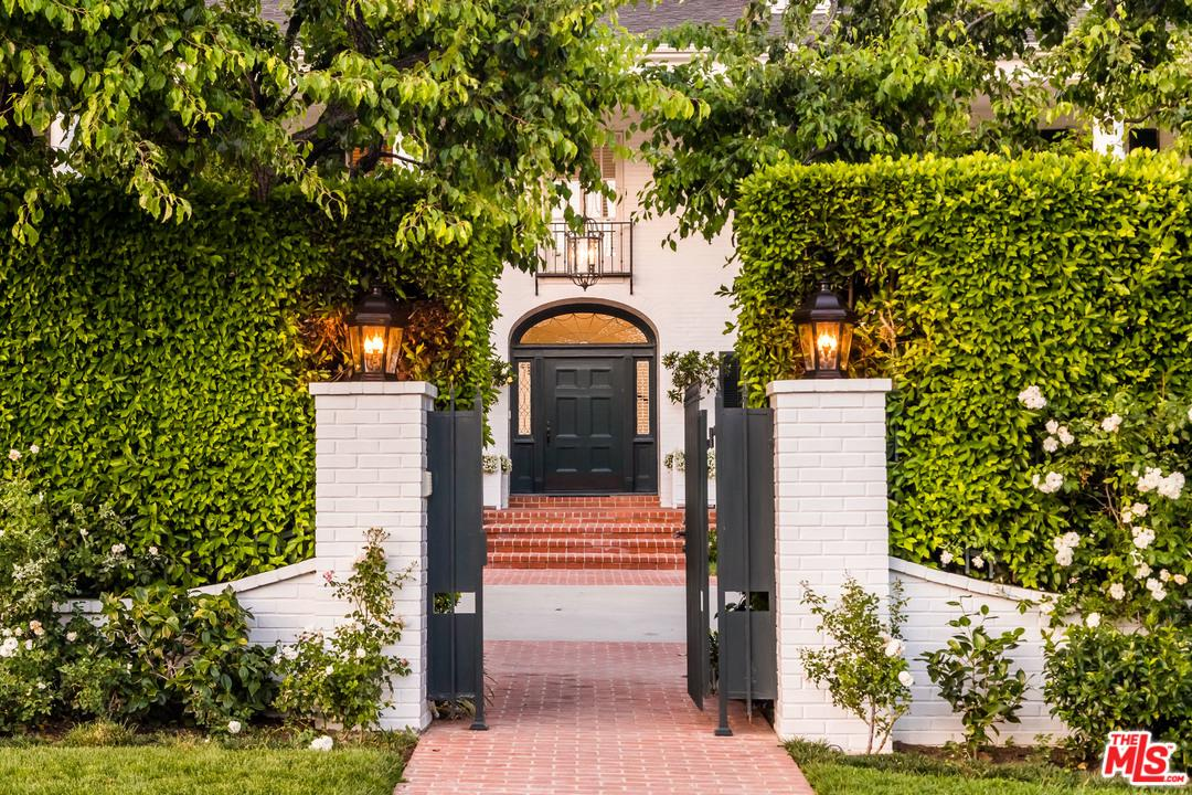Photo of 620 N BEVERLY DR, Beverly Hills, CA 90210
