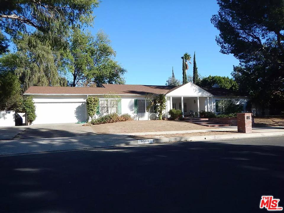 Photo of 9560 SHOSHONE Avenue, Northridge, CA 91325
