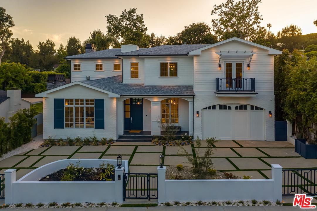 Photo of 139 VETERAN AVE, Los Angeles, CA 90024