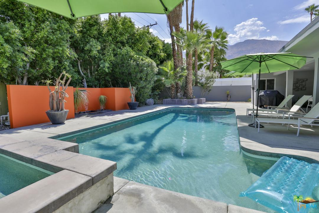 Photo of 1127 E MESQUITE AVE, Palm Springs, CA 92264