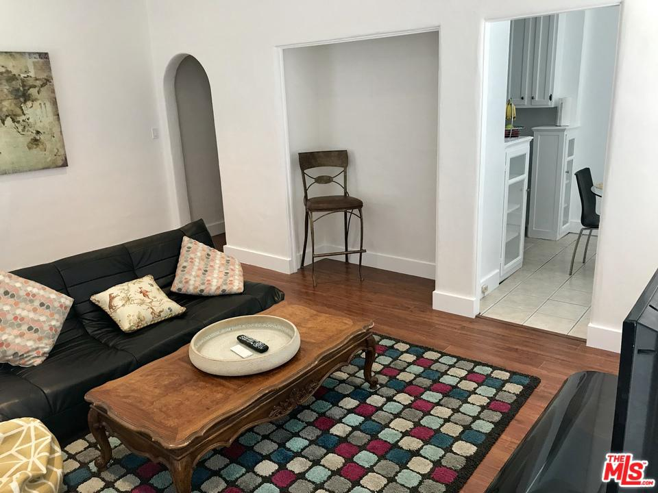 Photo of 141 South ELM Drive #4, Beverly Hills, CA 90212