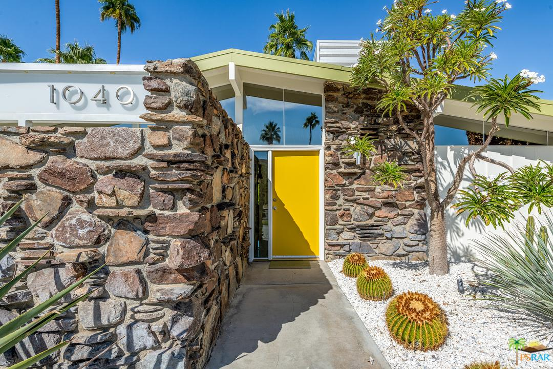 Photo of 1040 E LA VERNE WAY, Palm Springs, CA 92264