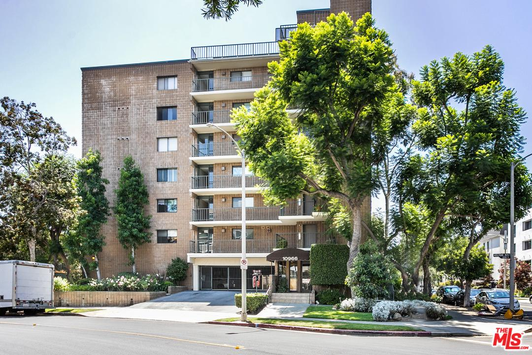 Photo of 10966 ROCHESTER AVE, Los Angeles, CA 90024