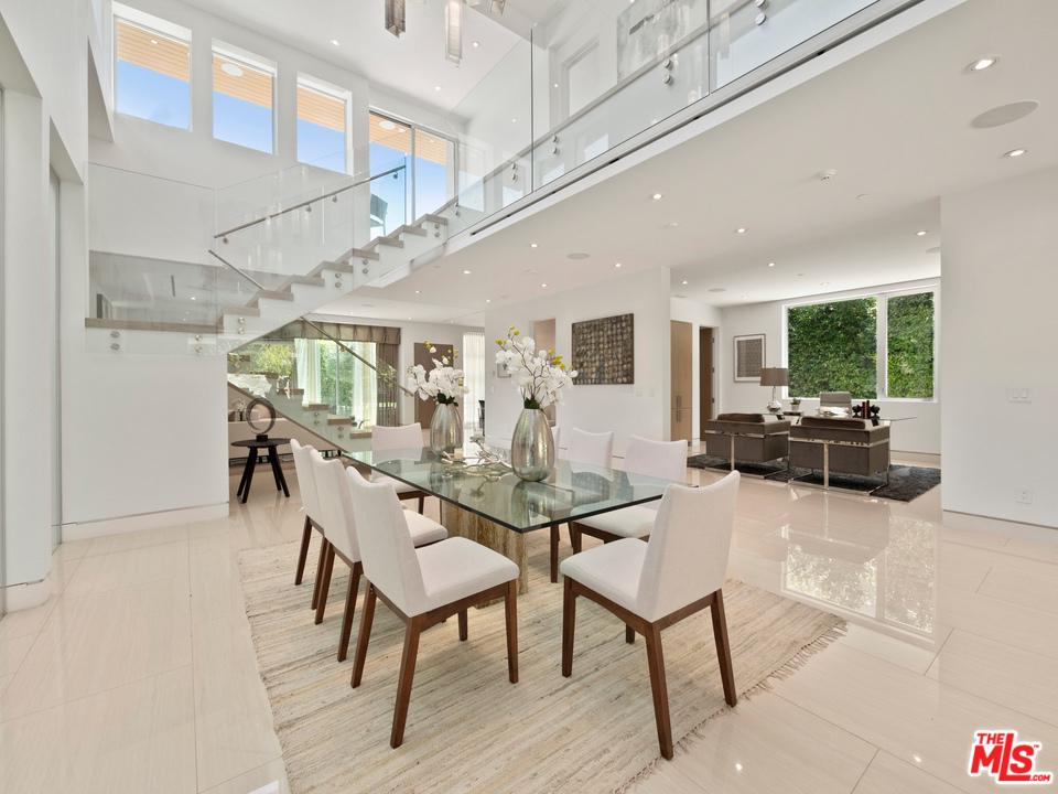 Photo of 151 N LE DOUX RD, Beverly Hills, CA 90211