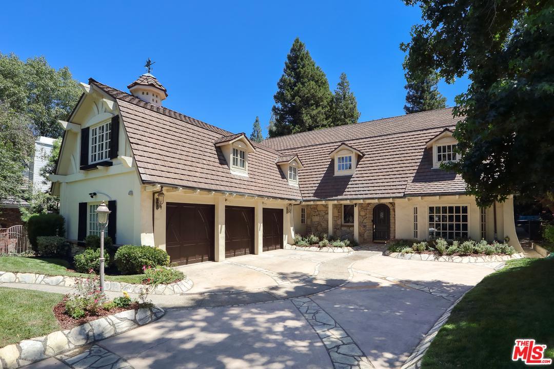 Photo of 4538 WESTCHESTER DR, Woodland Hills, CA 91364