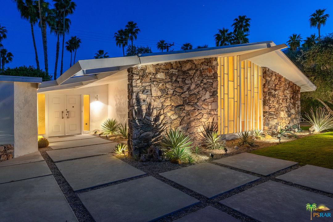 Photo of 1155 E MESQUITE AVE, Palm Springs, CA 92264