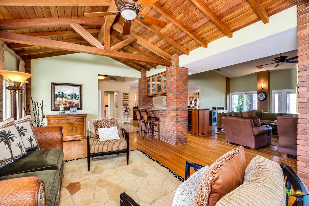 Photo of 242 W CAMINO DESCANSO, Palm Springs, CA 92264