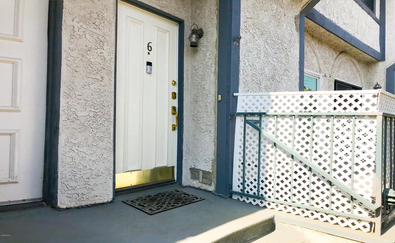 Photo of 10234 VARIEL AVENUE #6, Chatsworth, CA 91311