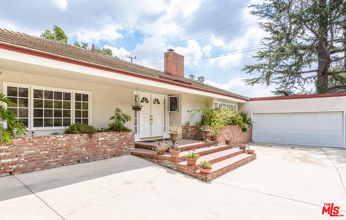 Photo of 1902 COLDWATER CANYON DR, Beverly Hills, CA 90210