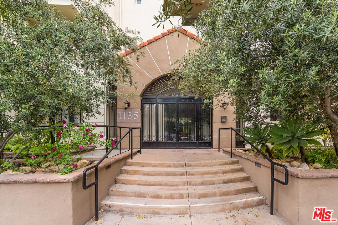 Photo of 1135 REXFORD DR, Los Angeles, CA 90035