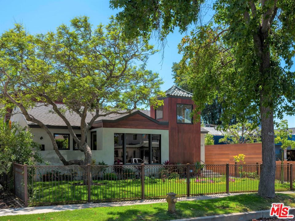Photo of 12822 STANWOOD DR, Los Angeles, CA 90066