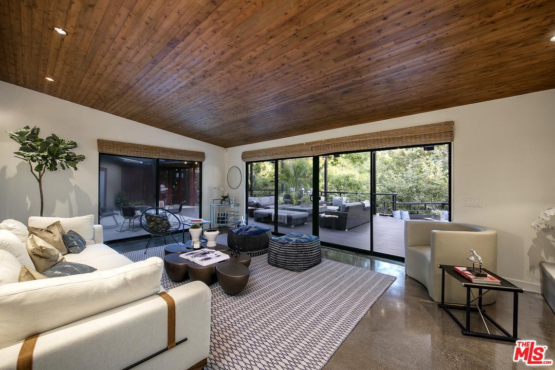 8010 WOODROW WILSON Drive Los Angeles (City), CA 90046