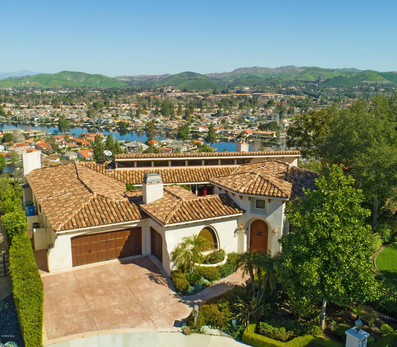 Photo of 32300 BLUE ROCK RIDGE, Westlake Village, CA 91361