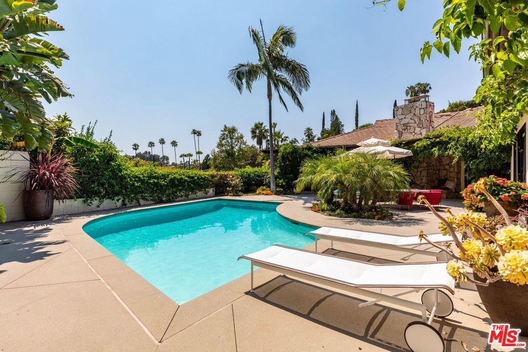 1070 North HILLCREST Road Beverly Hills, CA 90210