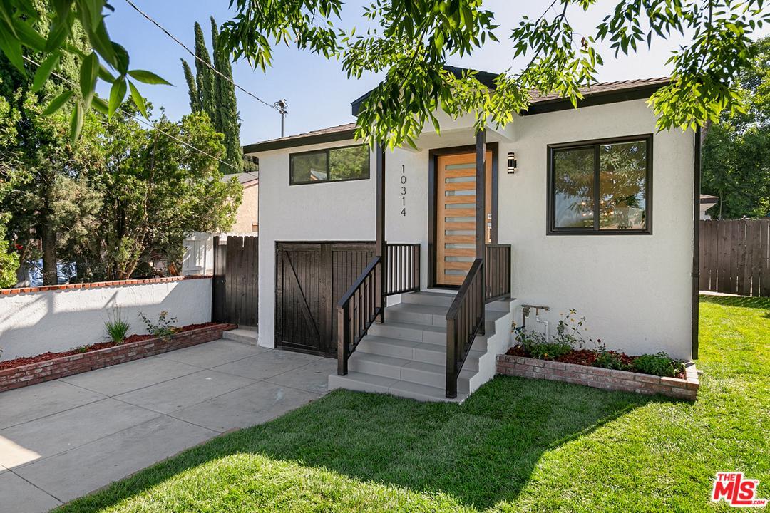 10314 WHITEGATE Avenue, Sunland, CA 91040