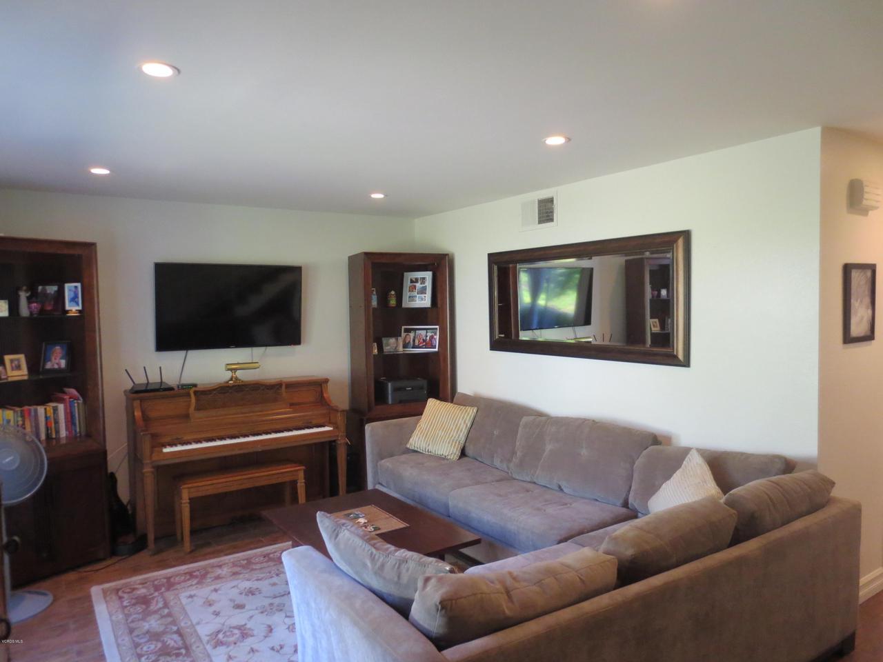 Photo of 571 RIO GRANDE CIRCLE, Thousand Oaks, CA 91360