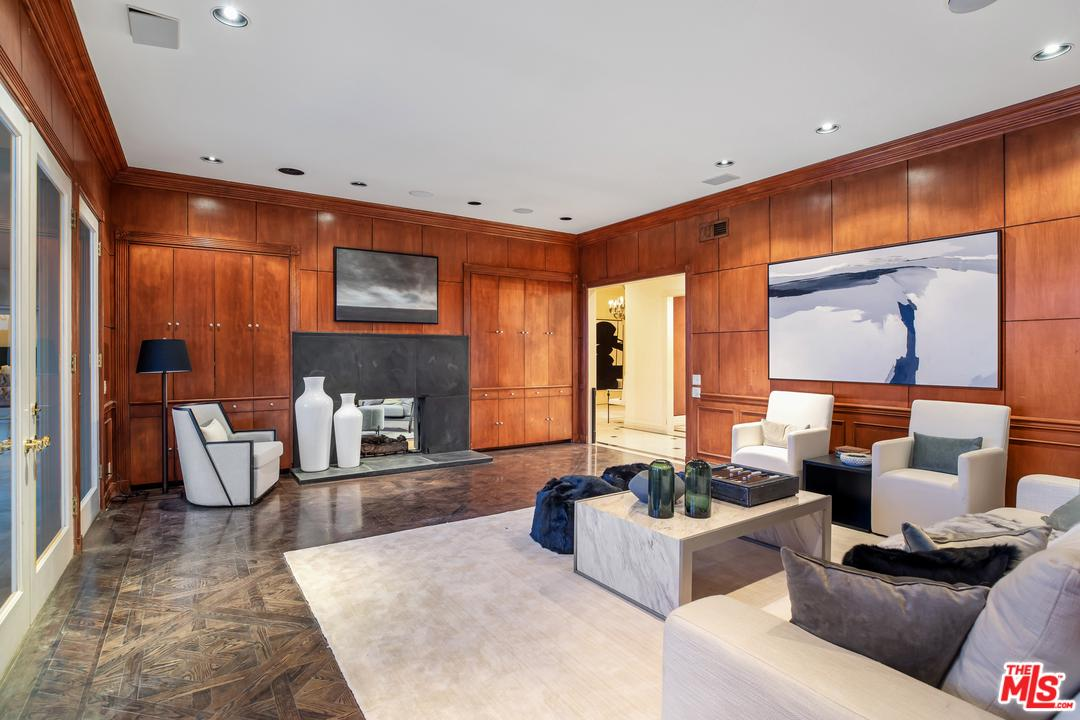 610 BURK Place Beverly Hills, CA 90210