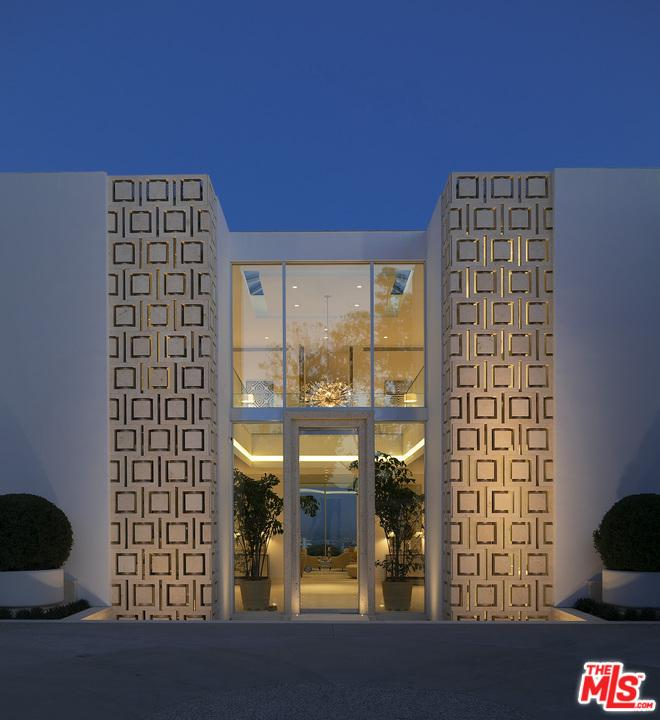 1500 GILCREST Drive Beverly Hills, CA 90210