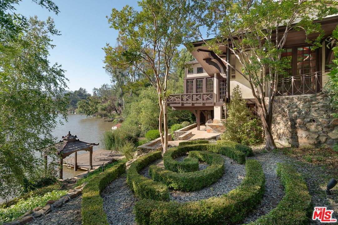 Photo of 2021 E LAKESHORE DR, Agoura Hills, CA 91301
