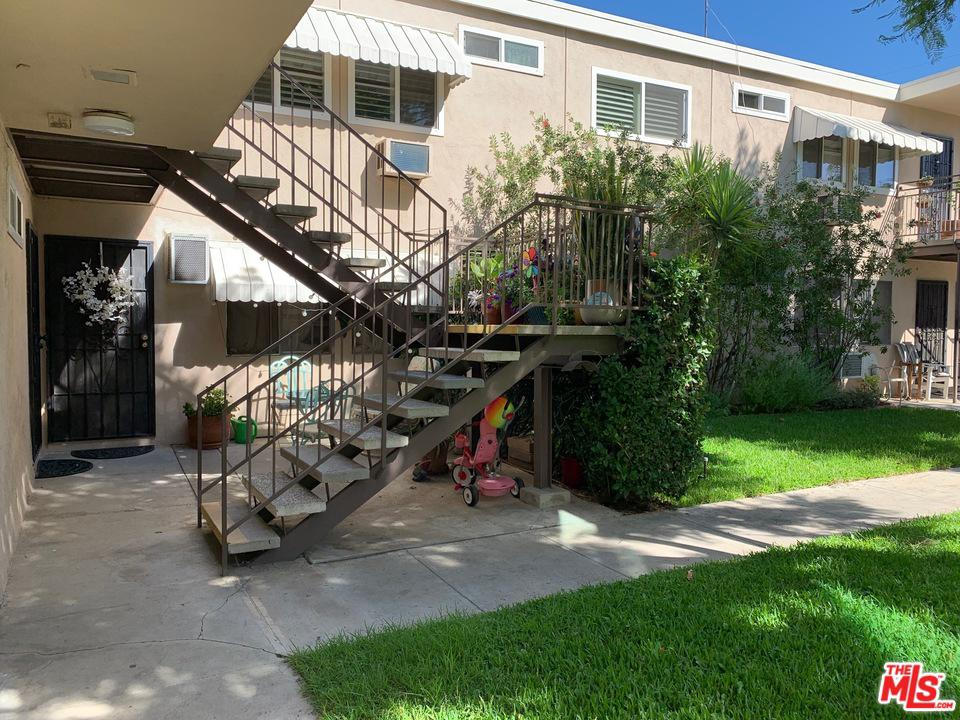 Photo of 7129 COLDWATER CANYON BLVD, North Hollywood, CA 91605
