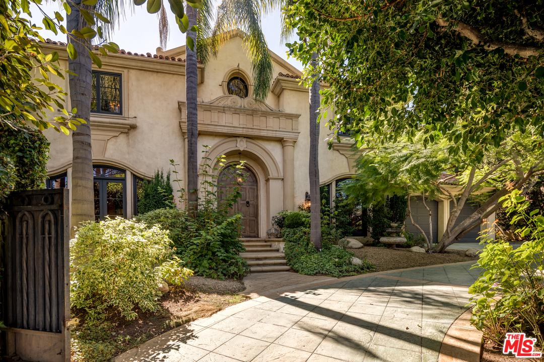 Photo of 803 FOOTHILL Road, Beverly Hills, CA 90210