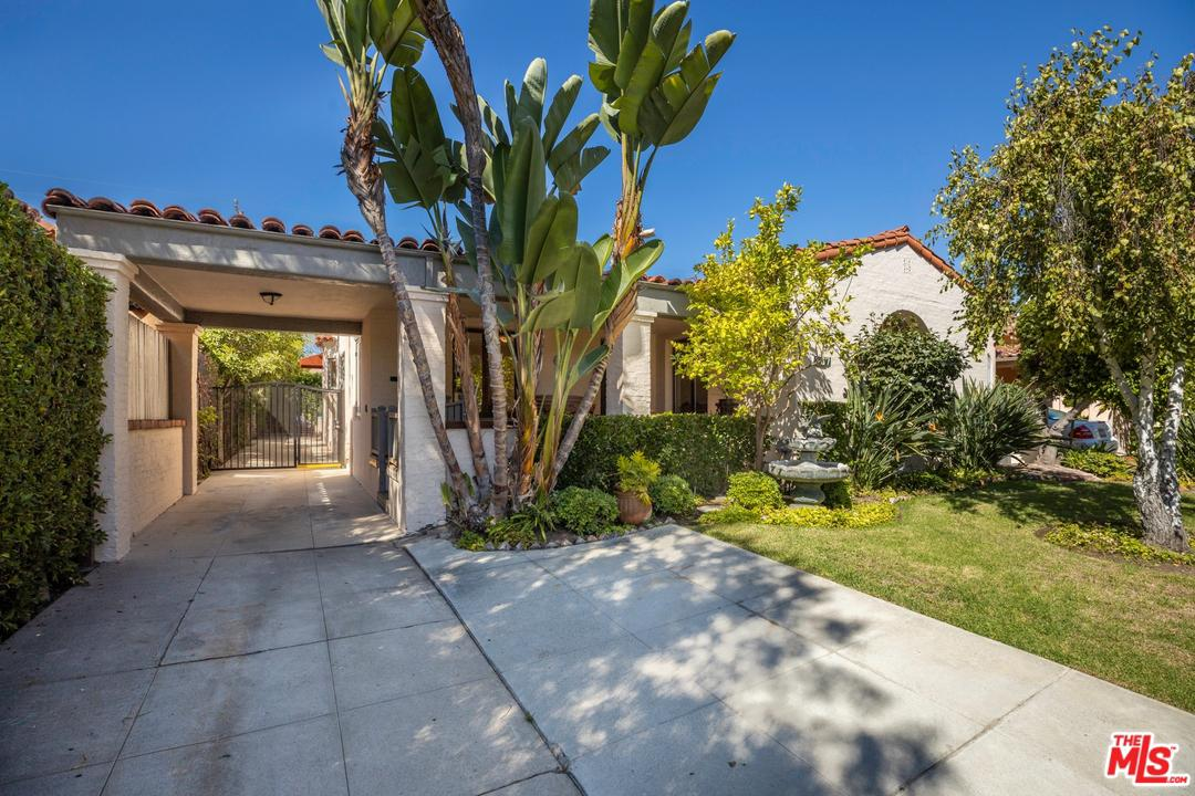 Photo of 137 S CLARK DR, Beverly Hills, CA 90211