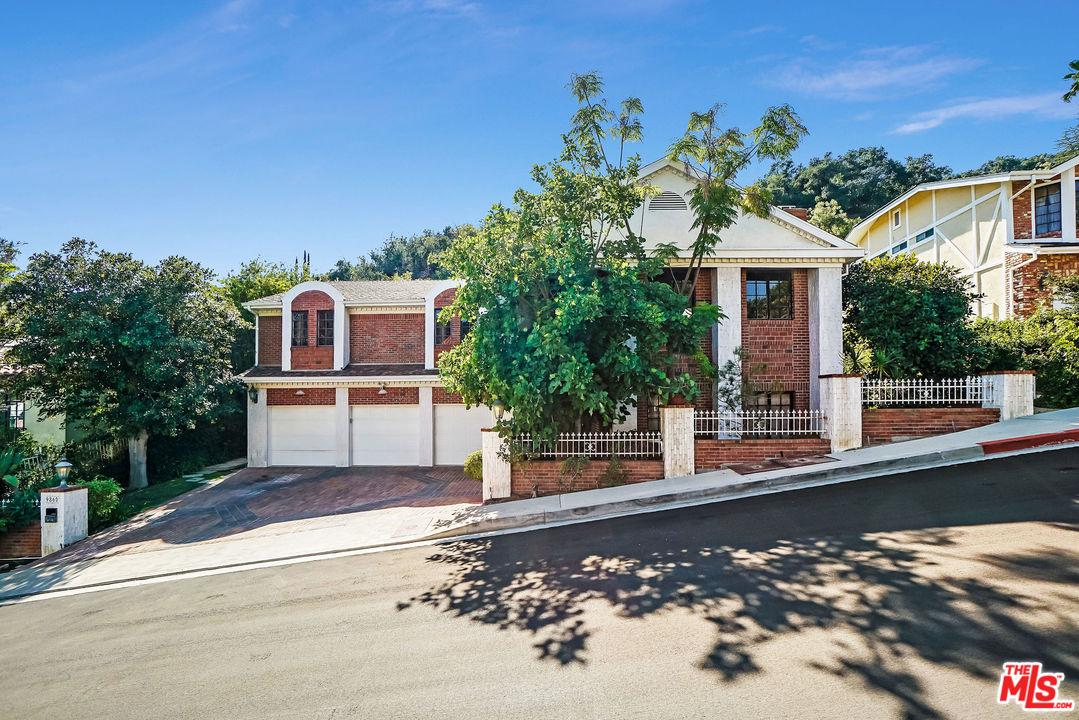 Photo of 9860 GLOUCESTER DR, Beverly Hills, CA 90210