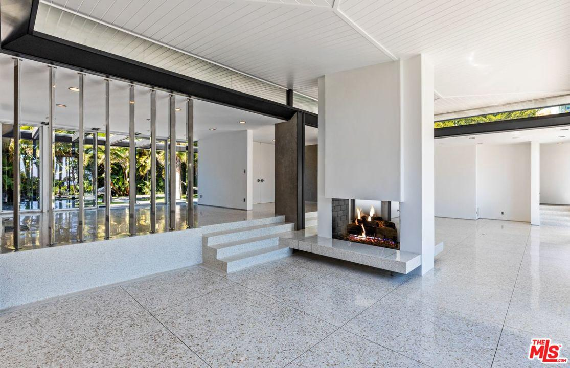 1120 MAYTOR Place Beverly Hills, CA 90210