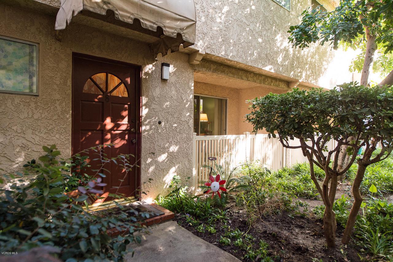 Photo of 17131 ROSCOE BOULEVARD #8, Northridge, CA 91325