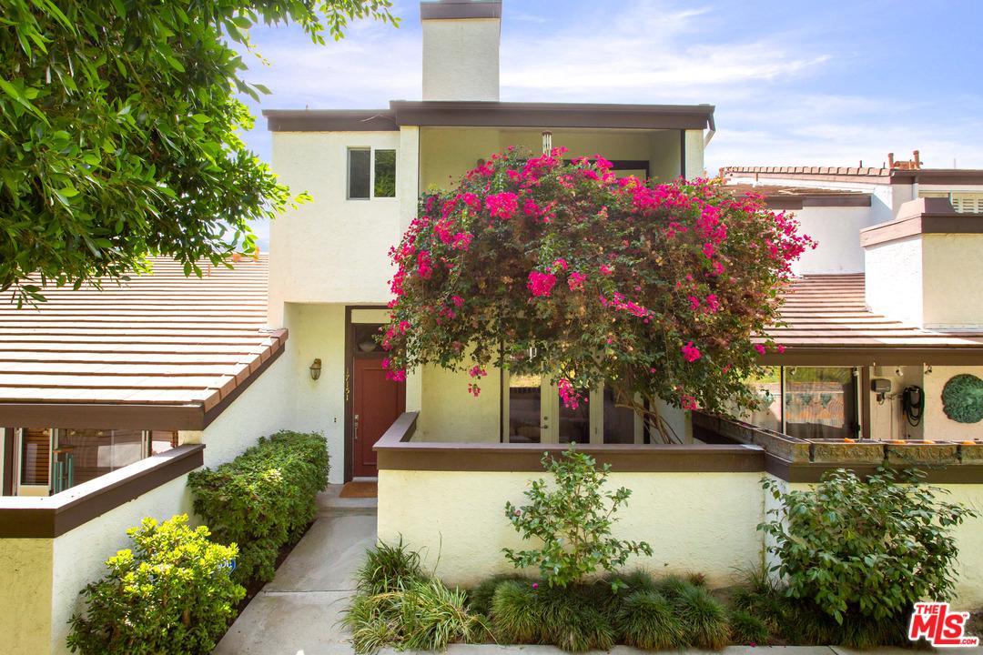 Photo of 17151 PALISADES Circle, Pacific Palisades, CA 90272
