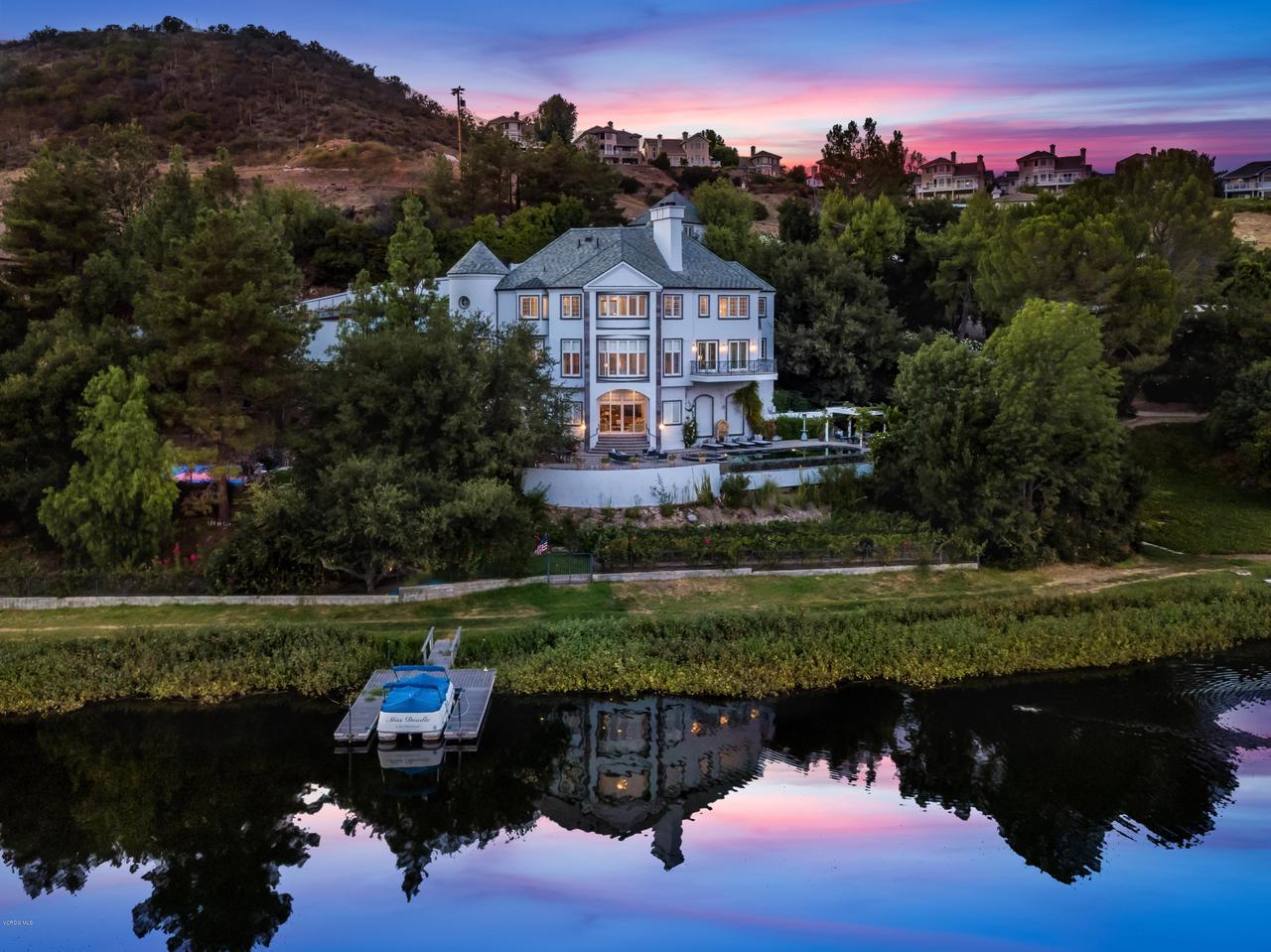 Photo of 474 LAKE SHERWOOD Drive, Lake Sherwood, CA 91361