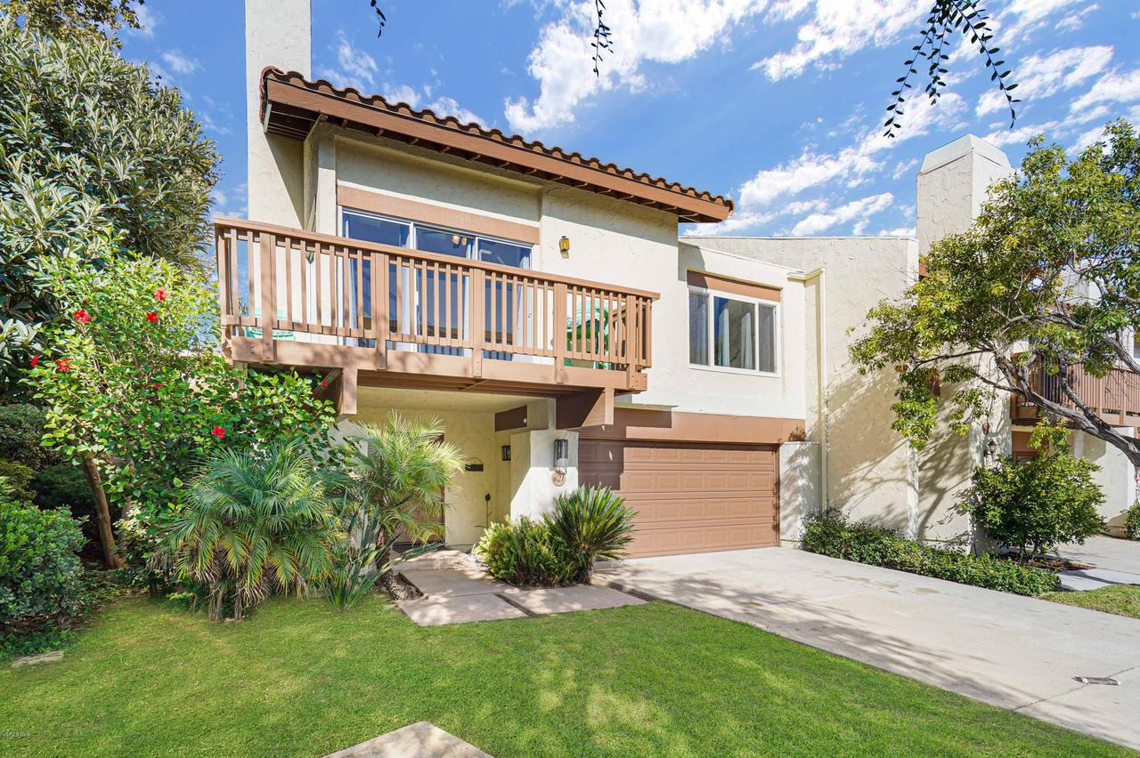 Photo of 621 HOLLYBURNE Lane, Thousand Oaks, CA 91360