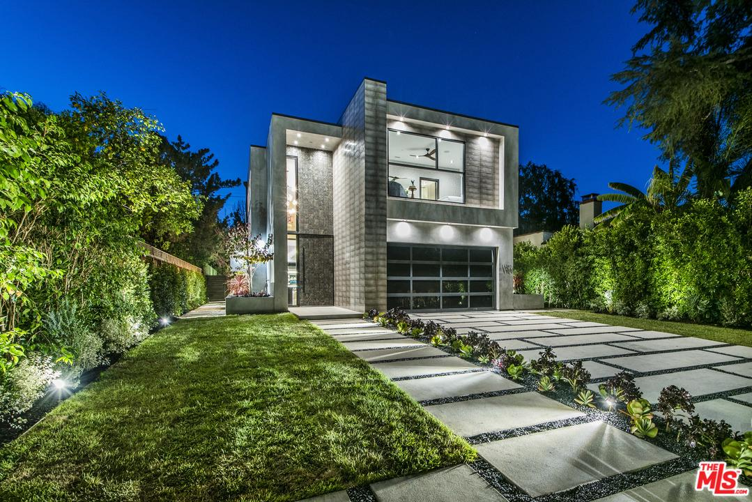 Photo of 11241 BLIX Street, North Hollywood, CA 91602