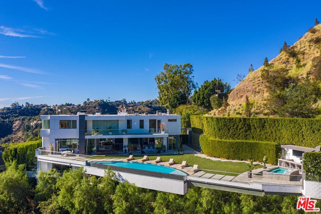 Photo of 1740 BEL AIR Road, Los Angeles, CA 90077